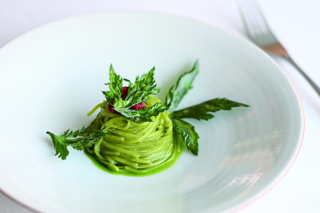 筑後産クロレラを麺に練り込んだパスタ 大和当帰のタリオリーニ